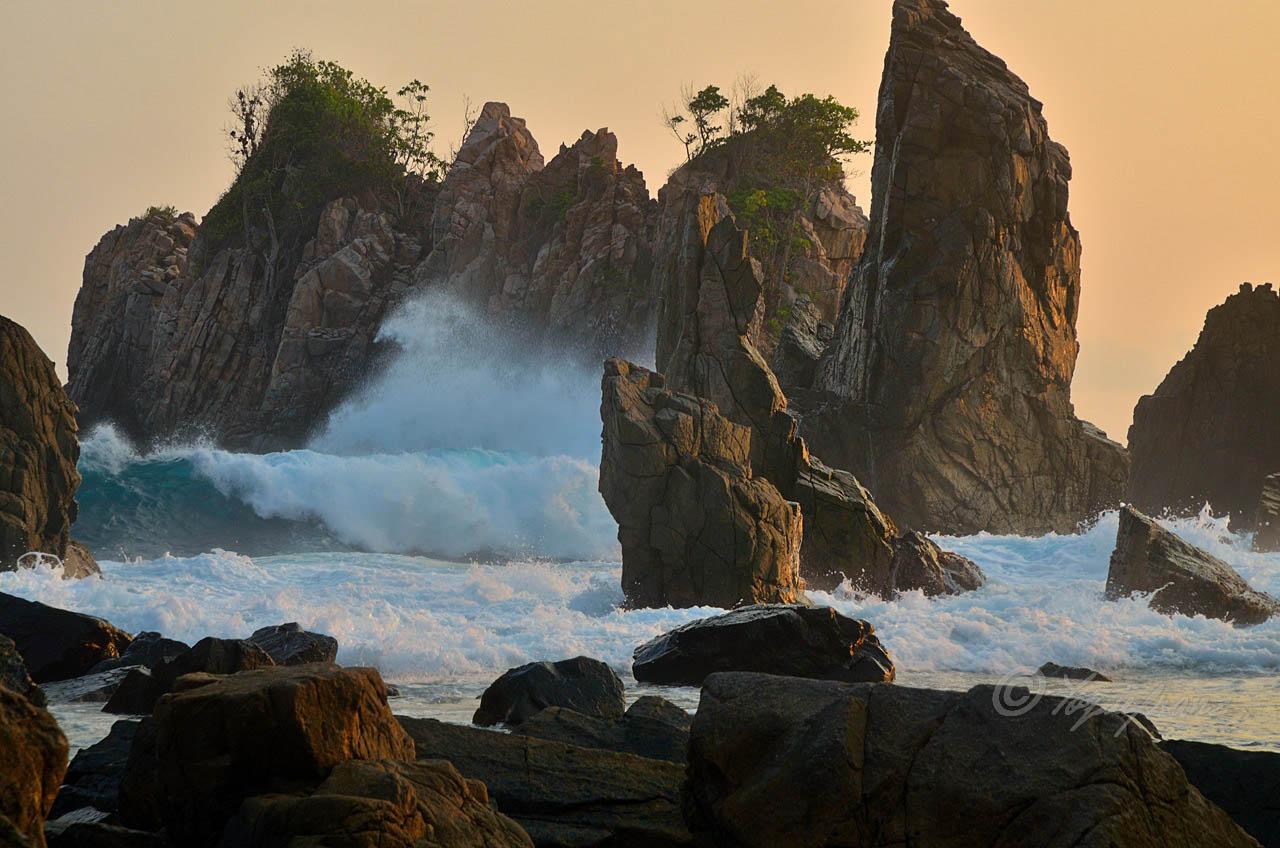 1 - Pantai Gigi Hiu Lampung - Pegadungan - Wisata Lampung - Yopie Pangkey