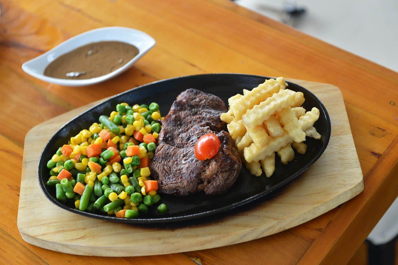 Tenderloin Steak - Pavilion Resto Cafe - Restoran di Bandar Lampung - Yopie Pangkey - 7