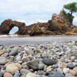 Pantai Karang Bolong Tanggamus, Satu Keindahan Pesisir Teluk Semaka