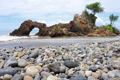 thumbnail - Pantai Karang Bolong Tanggamus - hasil foto nikon 1 j5 - Yopie Pangkey - 3