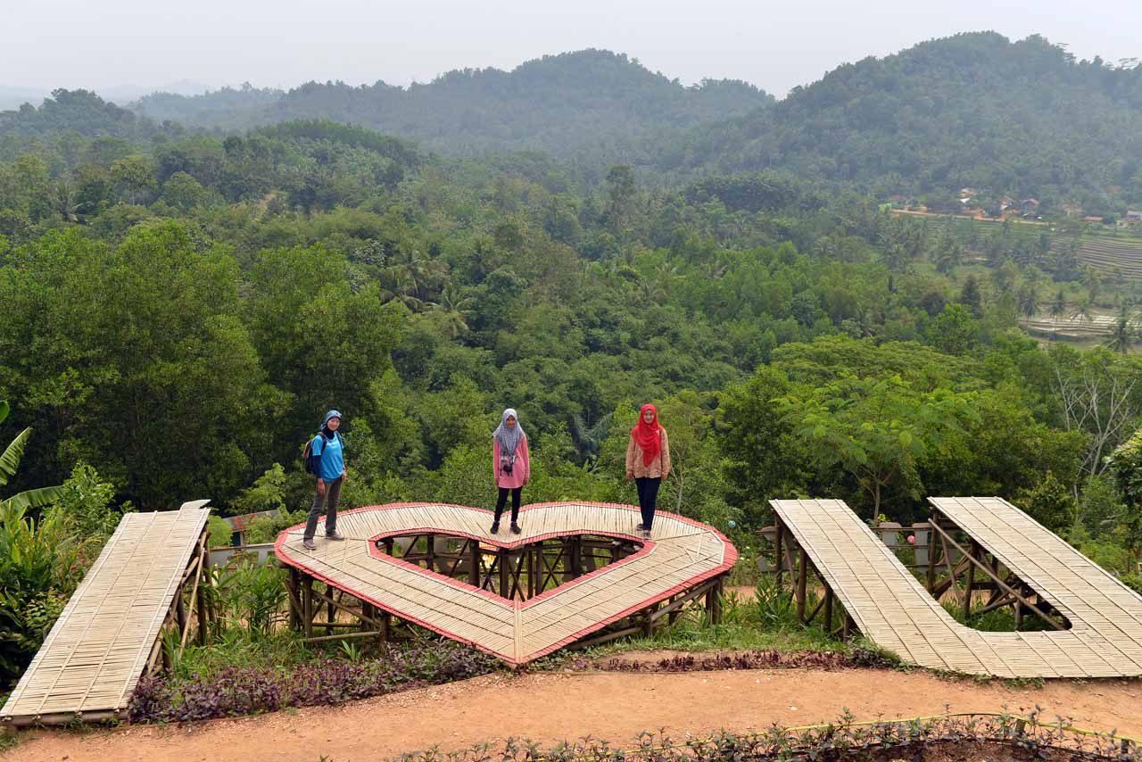 bukit pangonan - tempat wisata di pringsewu - yopie pangkey - 10