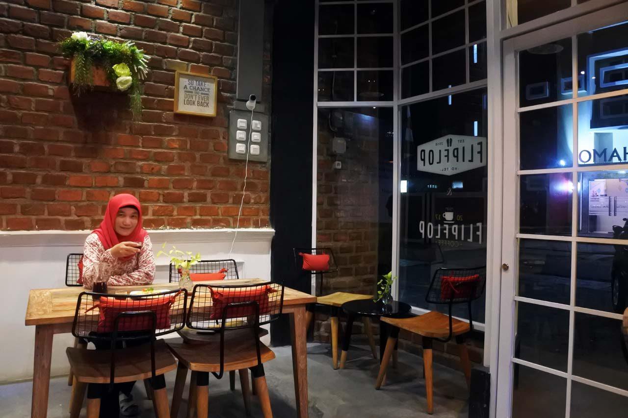 flipflop coffee - tempat ngopi di bandar lampung - yopie pangkey - keliling lampung - 3