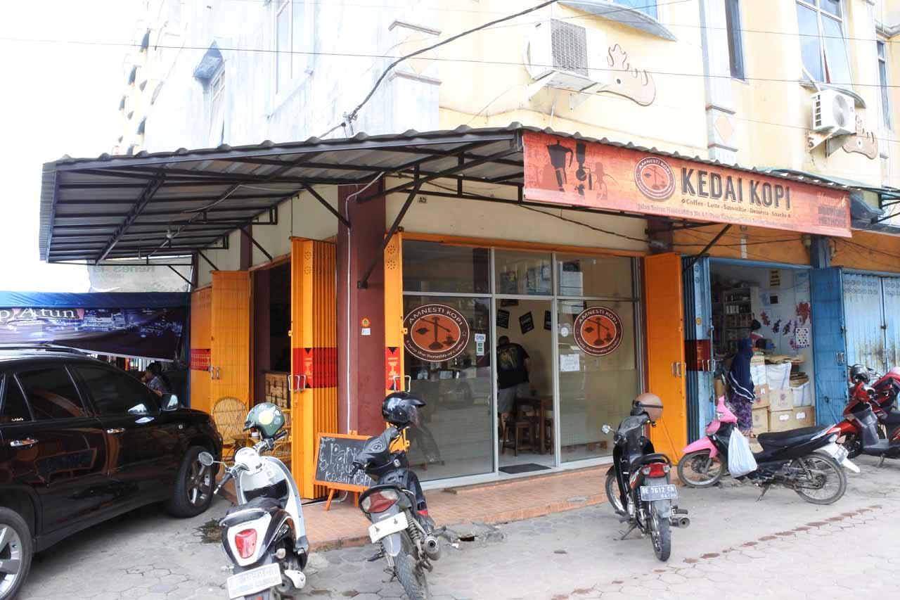 amnesty coffee - cafe - tempat ngopi - di bandar lampung - yopie pangkey- 1