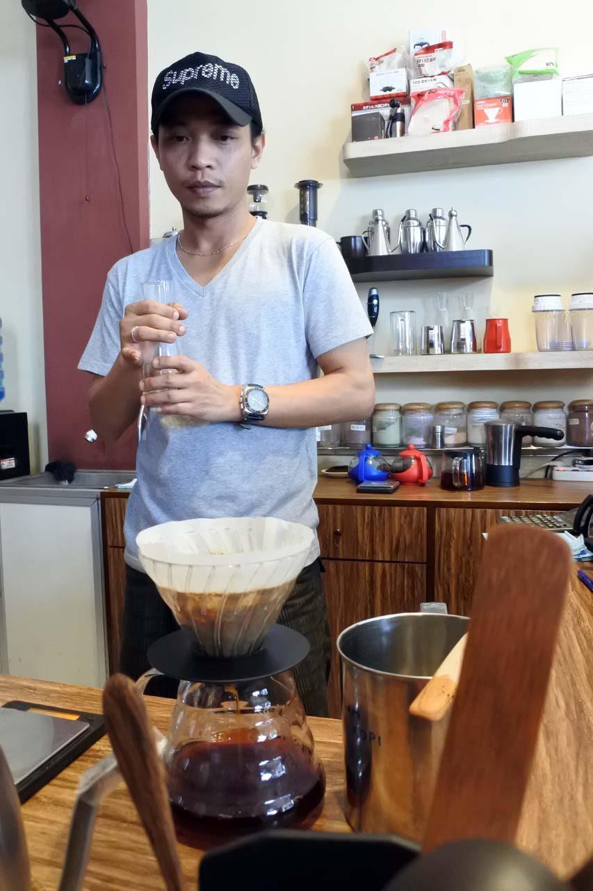 amnesty coffee - cafe - tempat ngopi - di bandar lampung - yopie pangkey- 5