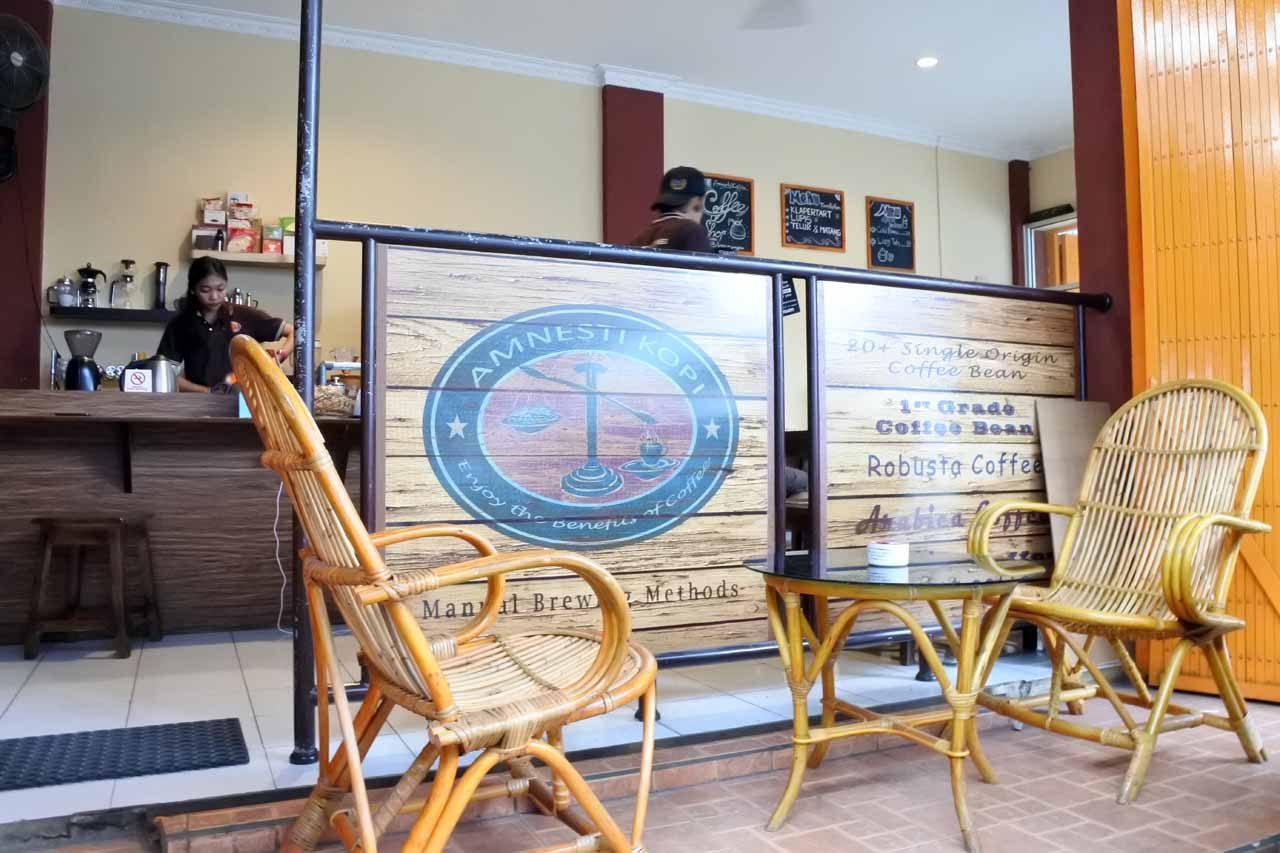 amnesty coffee - tempat nongkrong di bandar lampung - yopie pangkey