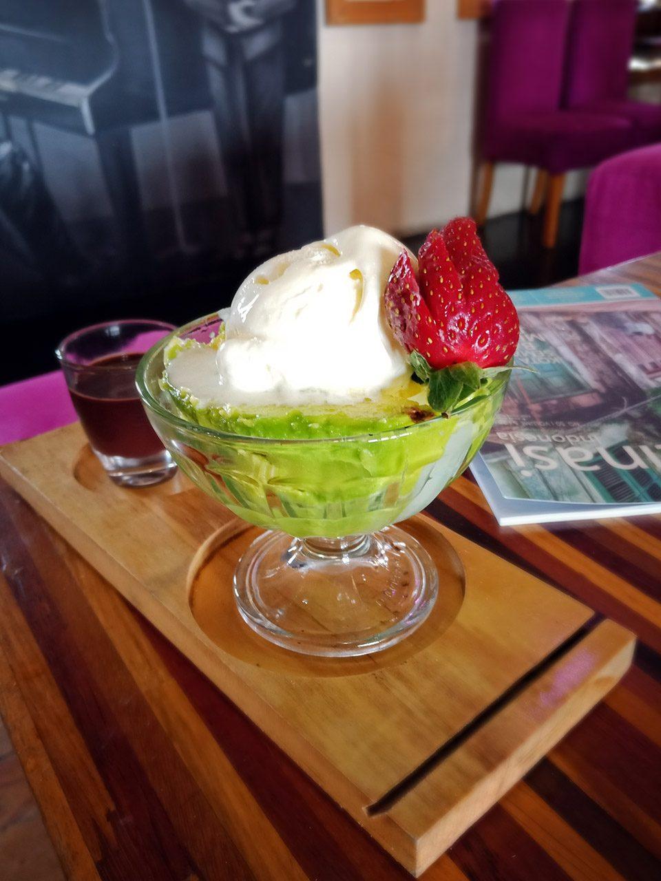 Avocachocolato - Cafe De Rosse - tempat makan enak di bandar lampung - yopie pangkey - 3