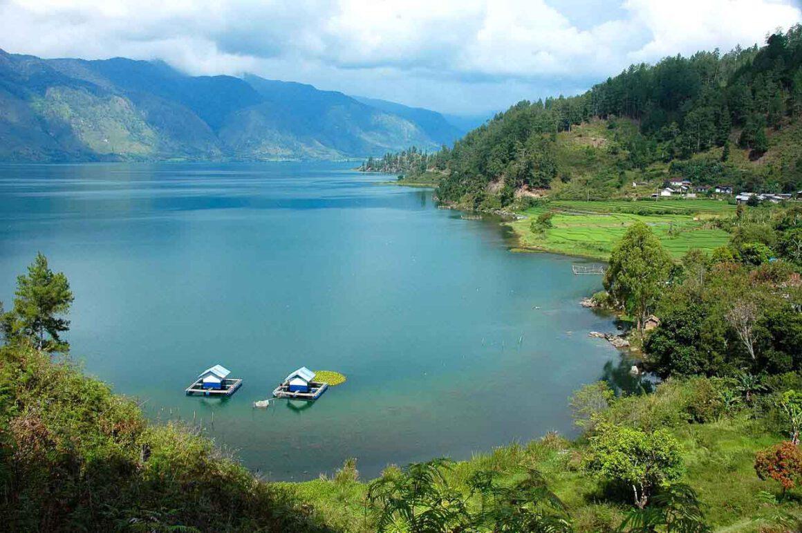 contoh foto gambar danau laut tawar - landscape photography - fotografi lanskap -  yopie pangkey - kelasfoto