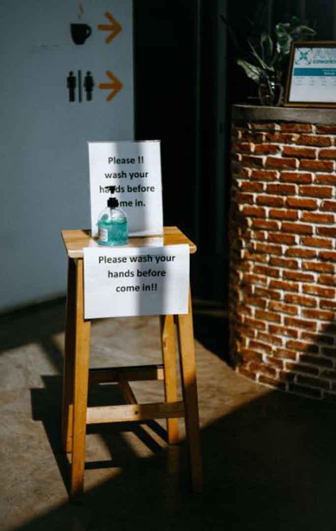 tips aman covid-19 corona virus - di rumah sekolah kantor tempat kerja - foto gambar Photo by Kseniia Ilinykh on Unsplash