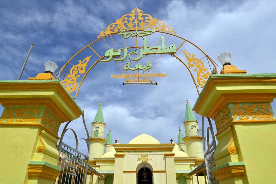 Masjid di Pulau Penyengat - Sejarah Pariwisata adalah - yopiefranz.id - Yopie Pangkey - 11