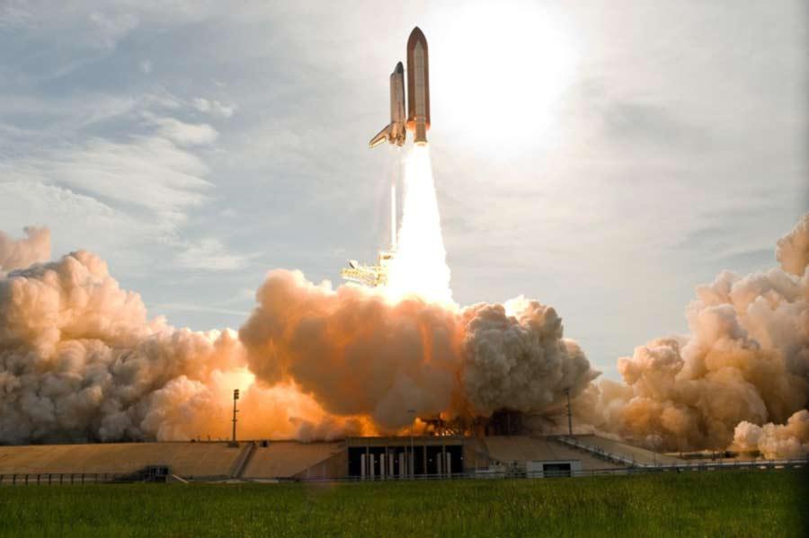 apa itu launching artinya - cloud sunlight aircraft vehicle rocket astronaut 76224 -pxhere.com-(1)