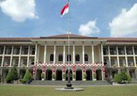 Daftar Universitas terbaik di indonesia - negeri swasta - ugm.ac.id